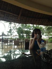 Hiding from the rain - Dar